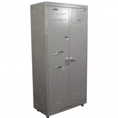 STANLEY SHELVING CABINET / 2 DOOR | Air Designs